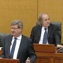 Umjesto o zakonu, raspravljali o paketićima (Video: Dnevnik Nove TV)