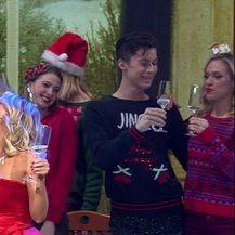 Maja Šuput cmoknula Igora tijekom nastupa (Video: Showbuzz)