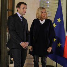 Brigitte Macron u čizmama glam rock stila - 5
