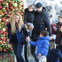 Shakira i Gerard Pique proveli su božićne blagdane u New Yorku sa Milanom i Sashom - 8