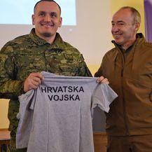 Ministar Krstičević u obilasku hrvatskih vojnika u Poljskoj (Foto: MORH) - 1