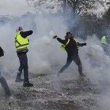 Prosvjedi u Parizu (Foto: AFP) - 2