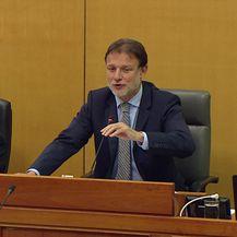 Okršaj Mire Bulja i Jandrokovića u Saboru (Video: Dnevnik.hr)