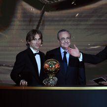 Luka Modrić i Florentino Perez (Foto: AFP)