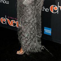 Kim je potpeticama oštetila rub haljine
