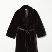 H&M, 99 eura (733 kune)