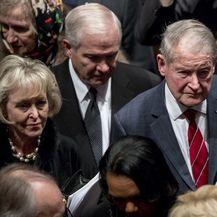 SAD-e ispratile svojeg bivšeg predsjednika Georgea H. W. Busha (Foto: AFP) - 8