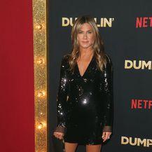 Jennifer na premijeri filma u haljini Stelle McCartney