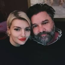 Ella Dvornik i Charles (Foto: Instagram)
