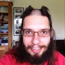 Grozne frizure (Foto: sadanduseless.com) - 18