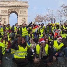 Ekipa Provjerenog sa žutim prslucima u Parizu (Foto: Dnevnik.hr) - 6