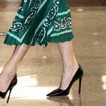 Kraljica Letizia nosila je salonke Prada Saffiano