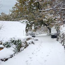 Snijeg u zaseocima kod Omiša (Foto: Damir Spehar/PIXSELL)