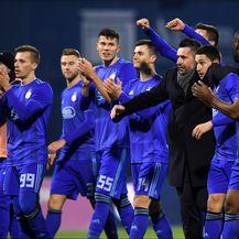 Nenad Bjelica i nogometaši Dinama (Foto: Marko Lukunic/PIXSELL)