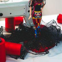 Juraj Zigman kreirao je haljine za Barbie lutke