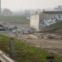Počelo rušenje rotora u Remetincu (Foto: Jurica Galoic/PIXSELL) - 7