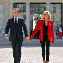 Brigitte obožava nositi crveni sako modne kuće Louis Vuitton