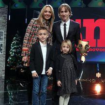 Vanja i Luka Modrić sa sinom i kćerkicom na izboru sportaša godine