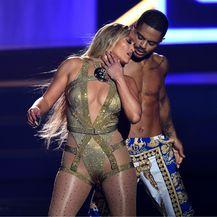 Jennifer Lopez za nastupe bira vrlo atraktivne kostime
