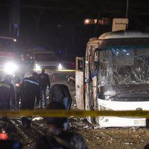 Eksplozija autobusa u Kairu (Foto: AFP)