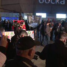 Počeo prosvjed u Banjoj Luci (Video: Al Jazeera)