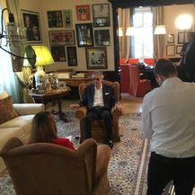 Andrea Bocelli i novinarka Nove TV Petra Fabian Kapov (Foto: PR) - 2