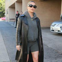 Kim Kardashian u kratkim tajicama