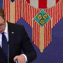 Vučić o dokumentima (Video: dnevnik.hr)