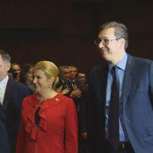 Vučić i Grabar Kitarović na skupštini SNV-a (Foto: Dnevnik.hr)