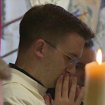 Crkva upozorava na zabrinjavajuće trendove (Video: Dnevnik Nove TV)