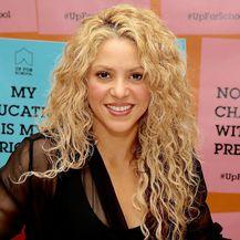 Shakira je godinama imala dugu kosu