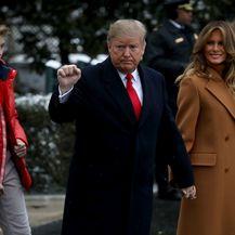 Melania Trump otputovala je u Floridu sa suprugom i sinom Barronom