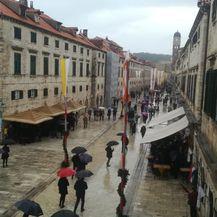 Kiša u Dubrovniku spriječila procesiju (Foto: Dnevnik.hr)