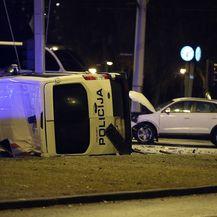 U prometnoj nesreći prevrnulo se poliicjsko vozilo (Foto: Goran Stanzl/PIXSELL) - 1
