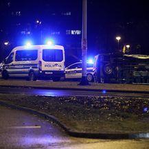 U prometnoj nesreći prevrnulo se poliicjsko vozilo (Foto: Goran Stanzl/PIXSELL) - 4