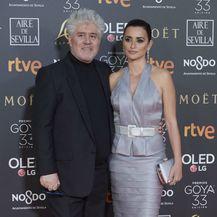 Penelope Cruz i Pedro Almodovar na dodjeli nagrada Goya