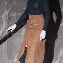 Kraljica Letizia u čizmama do bedara i suknji 'pencil' kroja - 2