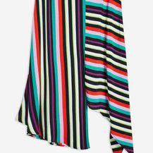 Suknje iz trgovina koje \'laskaju\' ženskoj figuri - 13