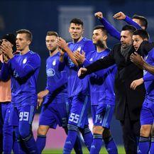 Nenad Bjelica s igračima Dinama (Photo: Marko Lukunic/PIXSELL)