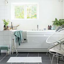 Kupaonica u bijelo-sivoj kombinaciji boja - 2