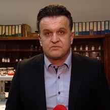 Andrija Jarak o slučaju ubojstva razgovara s patologom Dušanom Zečevićem (Foto: Dnevnik.hr)