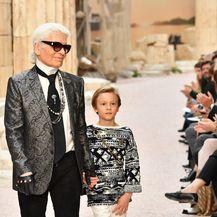 Karl Lagerfeld i Hudson Kroenig (Foto: Getty Images)