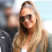 Jennifer Lopez u \'golim\' tajicama - 1