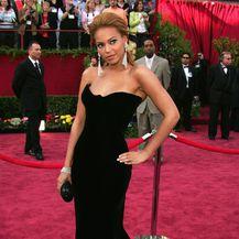 Beyonce 2005. godine u Versace haljini