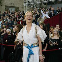Uma Thurman na dodjeli Oscara 2004. godine