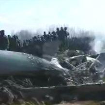 Scene s mjesta obaranja aviona (Video: Reuters)