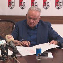 Indijski poduzetnik Arvind Kapur i gradonačelnik Petrinje Darinko Dumbović - 1