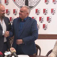 Indijski poduzetnik Arvind Kapur i gradonačelnik Petrinje Darinko Dumbović - 2