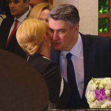 Buket i pusa za predsjednicu