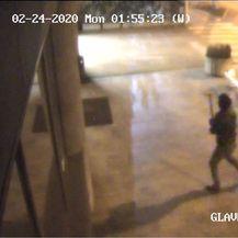 Nepoznati počinitelj razbio vrata na klinici Nikole Gabrića